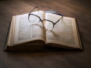 relecture-correction-correcteur-redacteur-storyteller-professionnel-copywriter-reviser-textes-1024x768